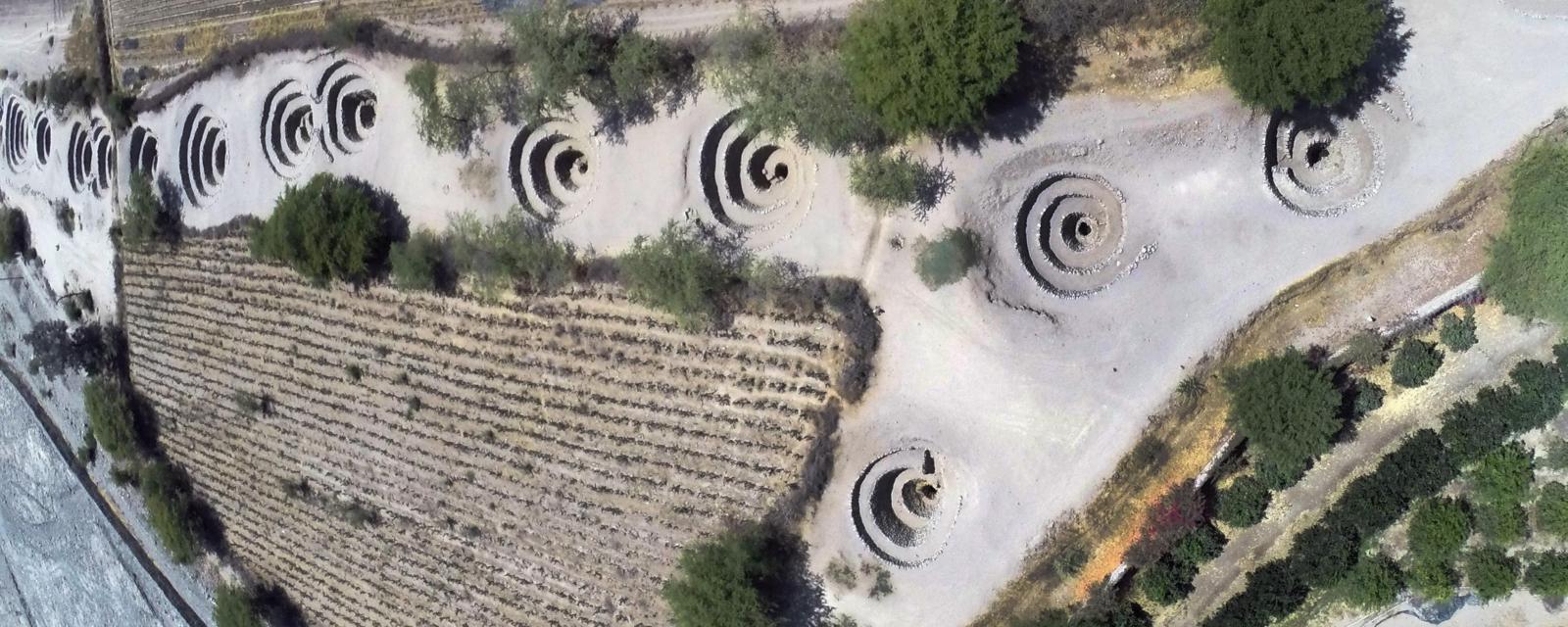 পেরুর মরুভূমিতে প্রাচীন নাজকা গর্তের ধাঁধা সমাধানের দাবি