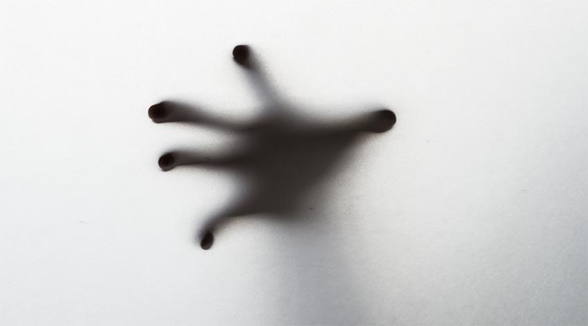 এলিয়েন হ্যান্ড সিনড্রোম: অধিভৌতিক এক মানসিক রোগ